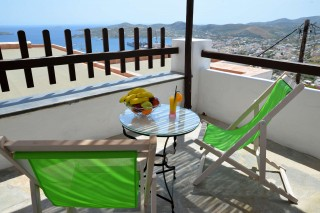 ano-syros-apartment-fimaira