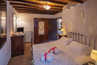 belvedere fimaira apartments double bedroom
