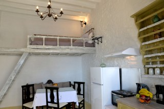 fimaira-apartment-syros-02