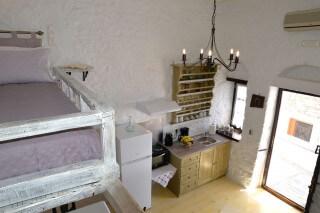 fimaira-apartment-syros-04