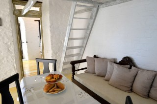 fimaira-apartment-syros-08