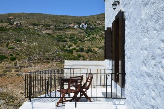 fimaira-apartment-syros-11
